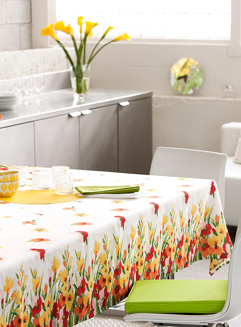Simons Maison Assorted Spring bouquet tablecloth