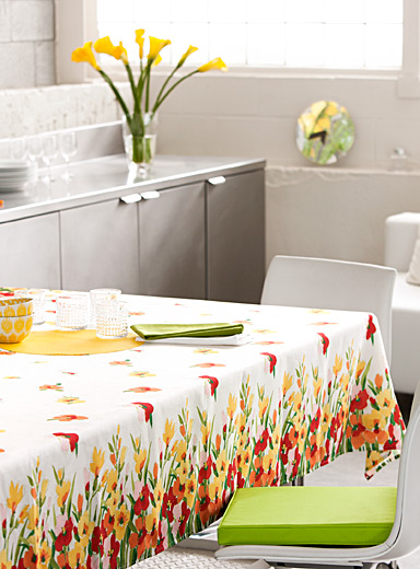 Spring bouquet tablecloth