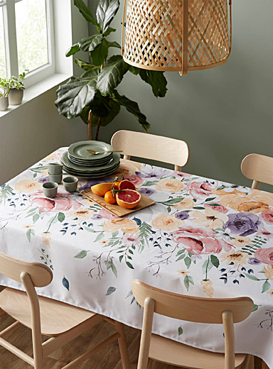 Simons Maison Assorted Painterly rose garden coated tablecloth