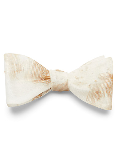 Title of work Ivory White Gold shadow bow tie for men