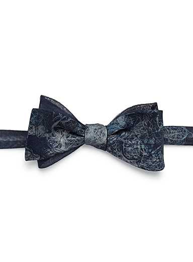 Silk thread bow tie