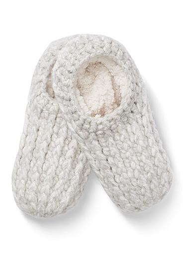 Generous knit slippers