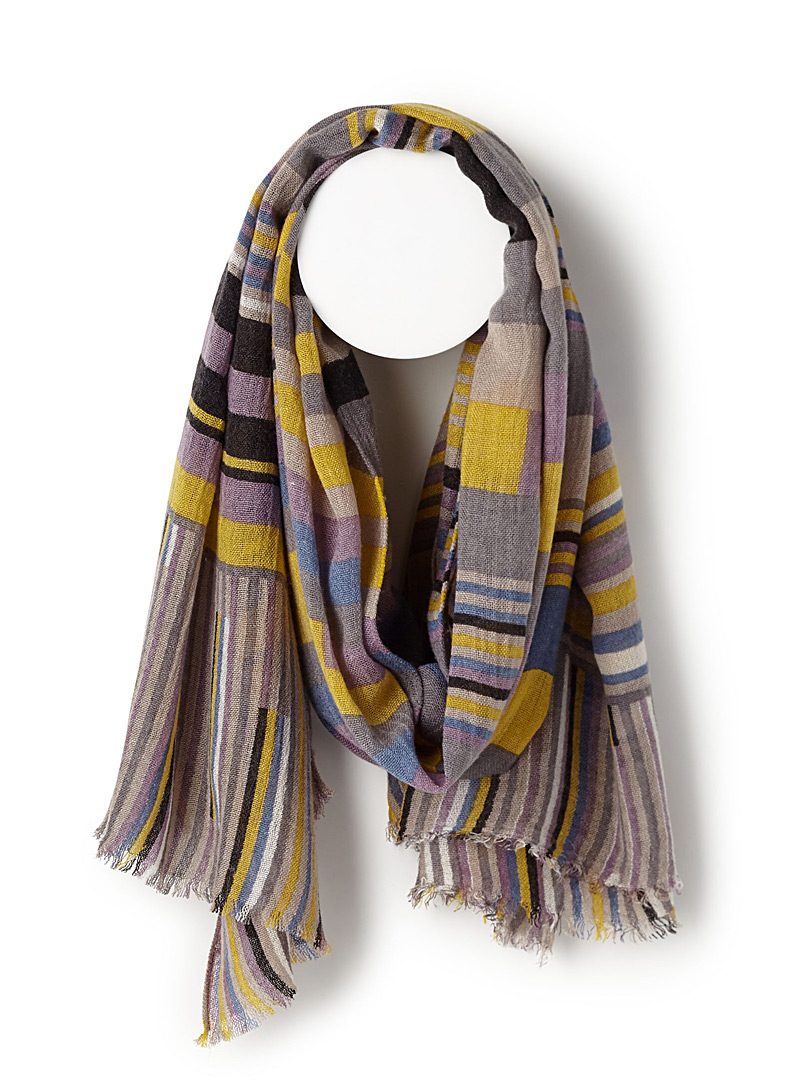 colourful-stripe-scarf