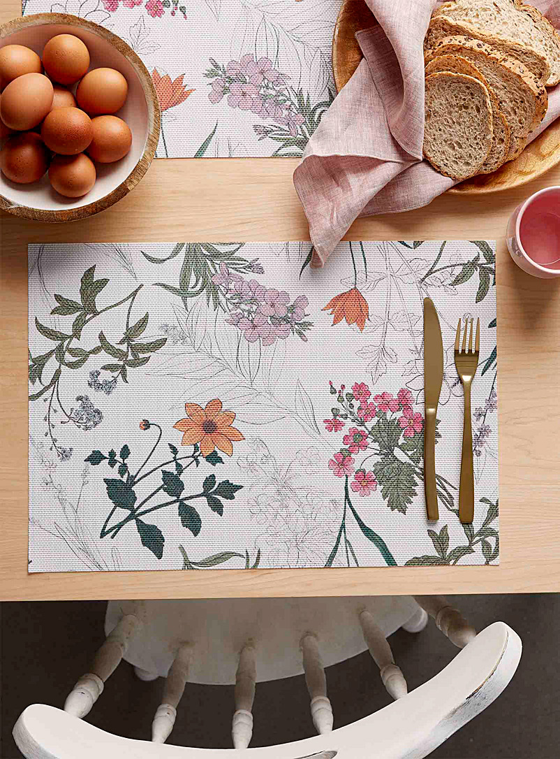 Simons Maison Assorted Wild garden braided vinyl placemat