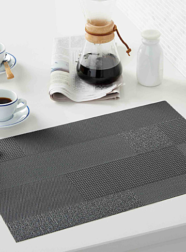 Modern block braided vinyl place mat
