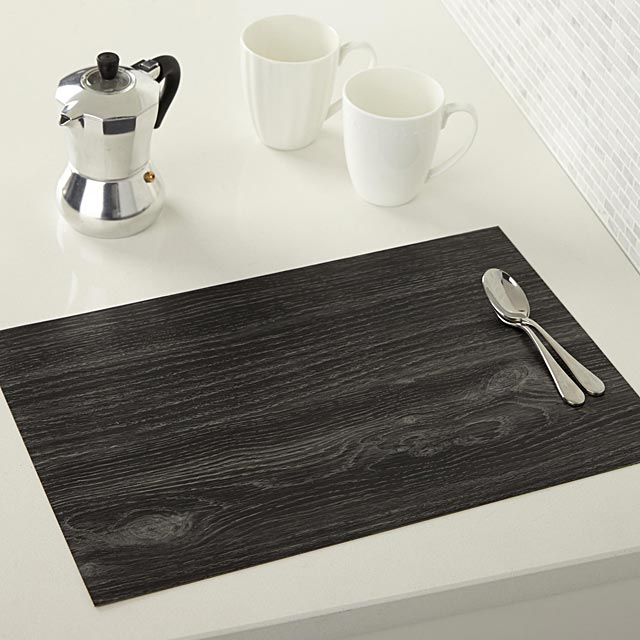textured-faux-wood-place-mat