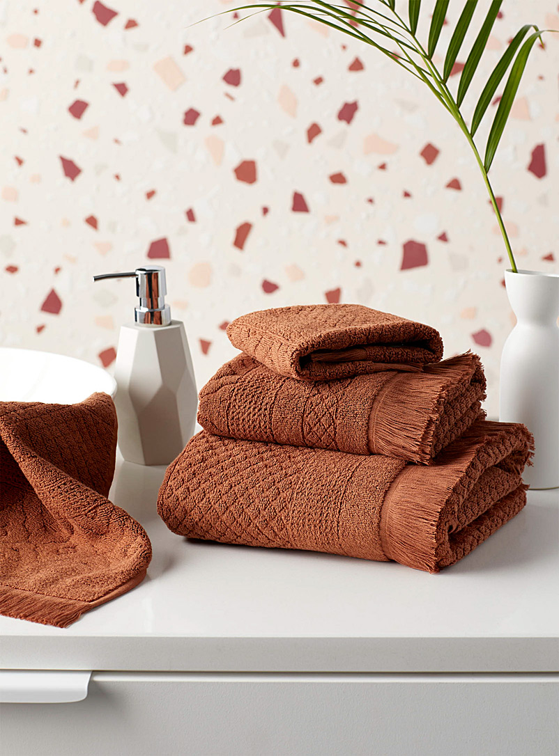 Natural hues diamond design jacquard towels