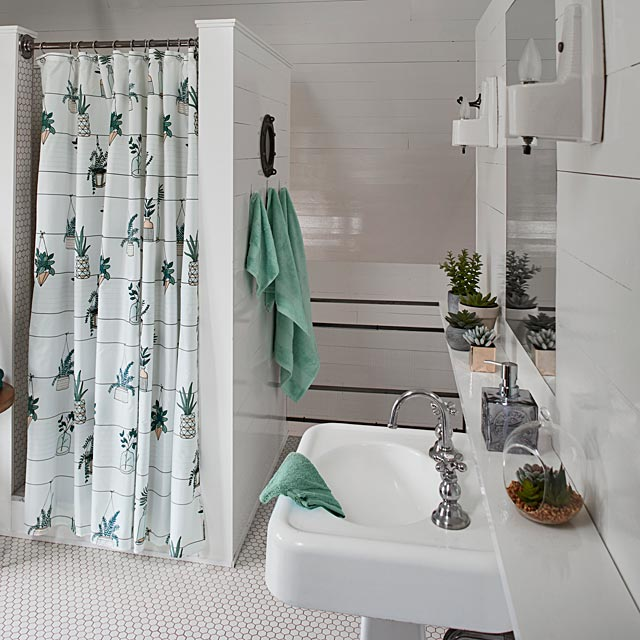 hanging-plants-shower-curtain