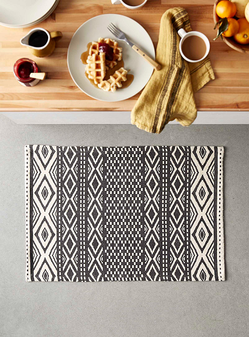 Simons Maison Patterned Grey Geo exploration rug  60 x 90 cm