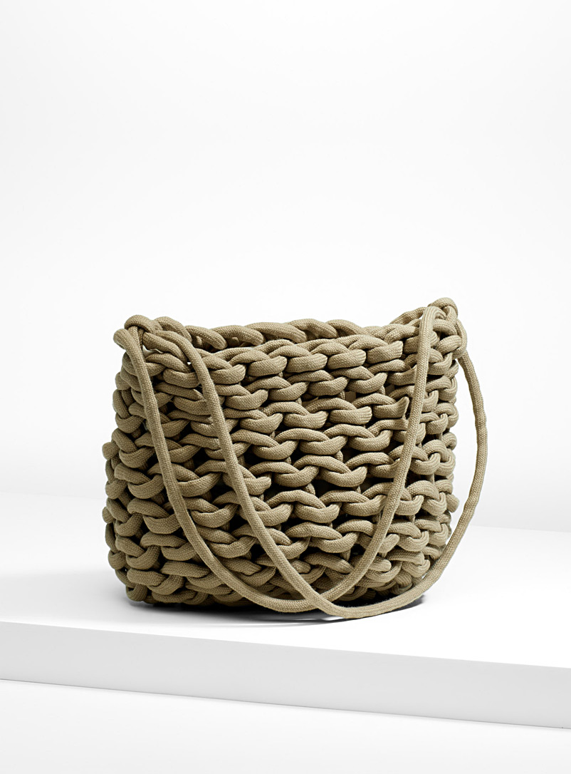woven-shoulder-bag