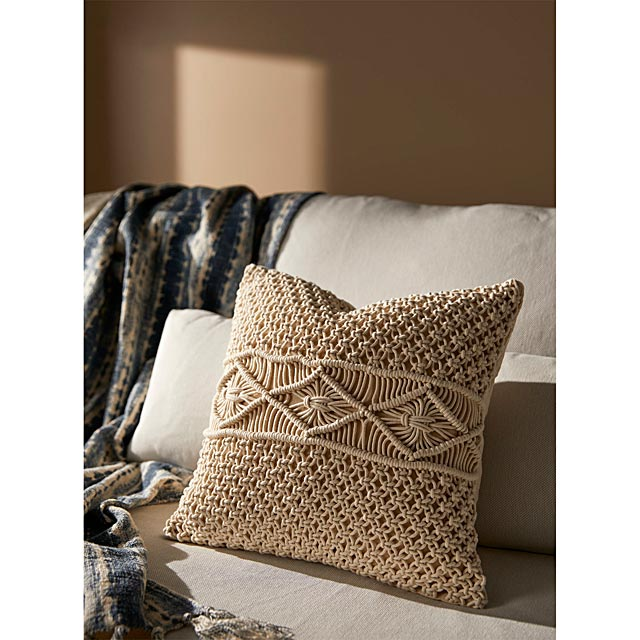 crochet-knit-cushion-45-x-45-cm