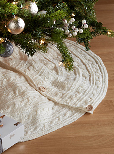 meet 93ee1 8022b Twisted cable-knit tree skirt