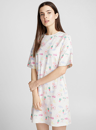 Vacation-print nightgown