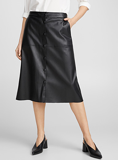 Faux-leather buttoned skirt