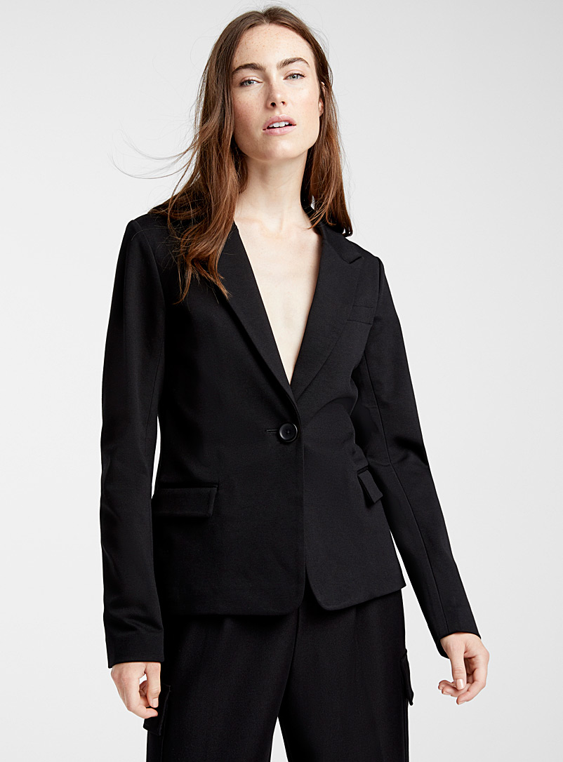 structured-twill-fitted-jacket