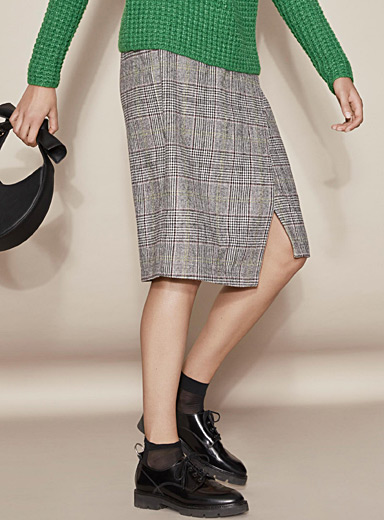 Chic plaid wool skirt