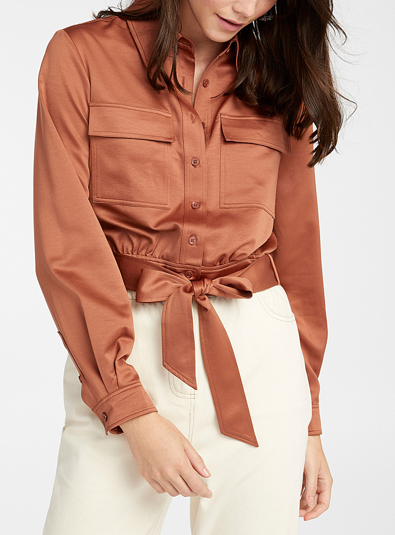 Icône Amber Bronze Repreve* polyester belted cropped shirt for women