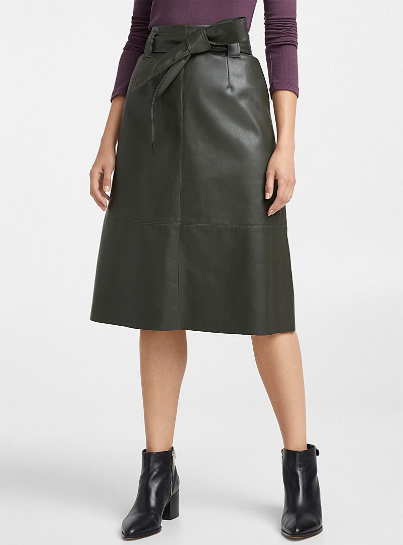 faux-leather-tie-belt-skirt