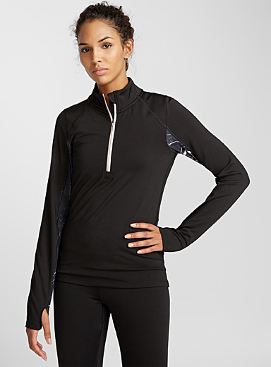 Contrast-sleeve half-zip top