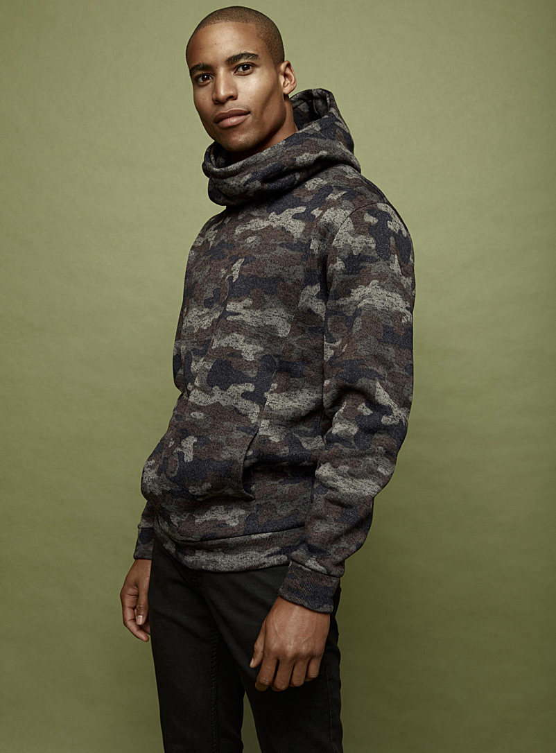 patterned-recycled-knit-hoodie