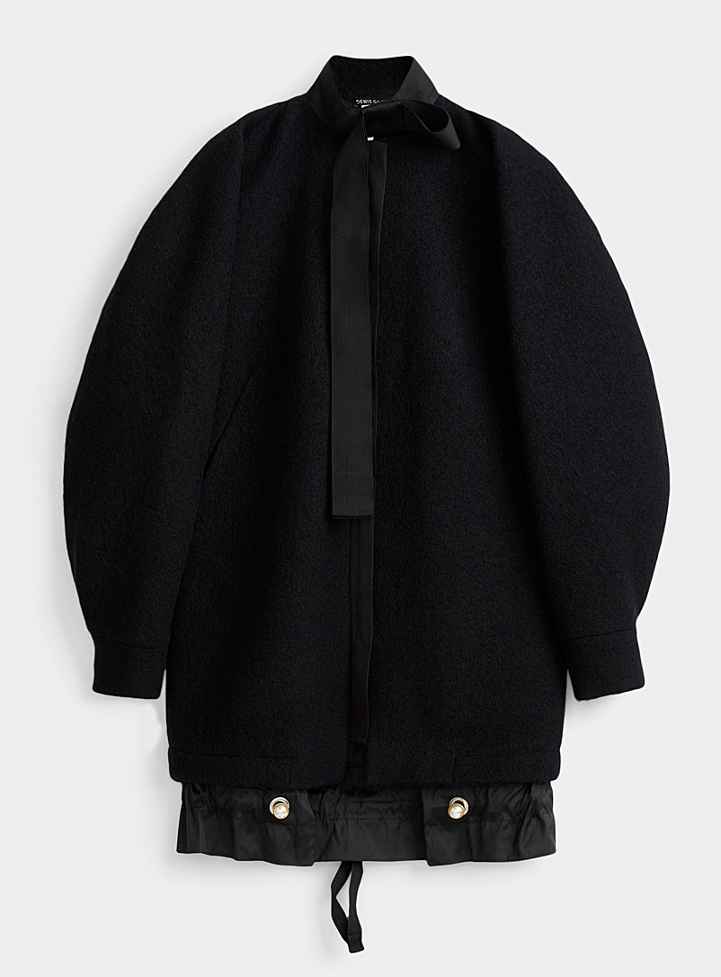 Pearl button wool cocoon coat