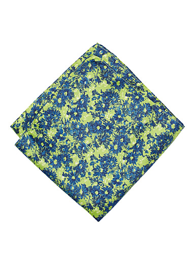 Saturated-colours pocket square