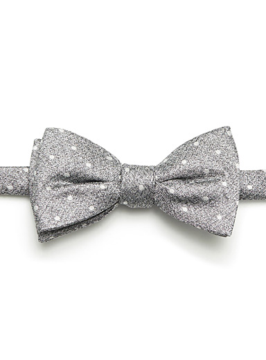 Dotted heather bow tie