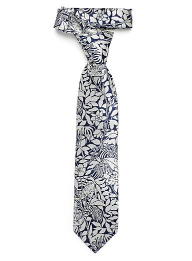 Silver jungle tie