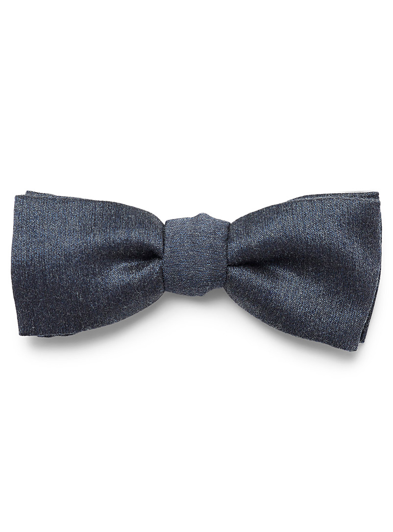 solid-bow-tie