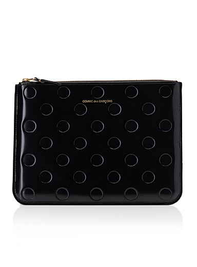 Embossed dot clutch