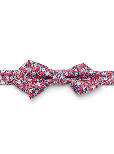 Field of roses bow tie