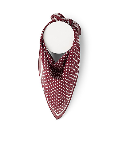 Contrast dot scarf