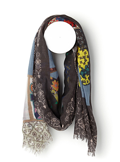 Fantastic colourful wardrobe scarf