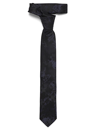 Shiny marbled tie