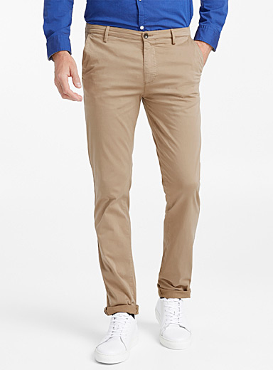 Minimalist stretch chinos  Slim fit