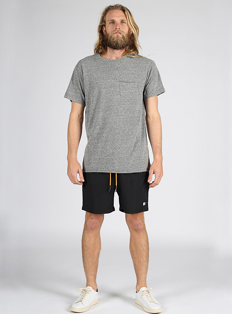 Lira Black Tech pull-on short for men