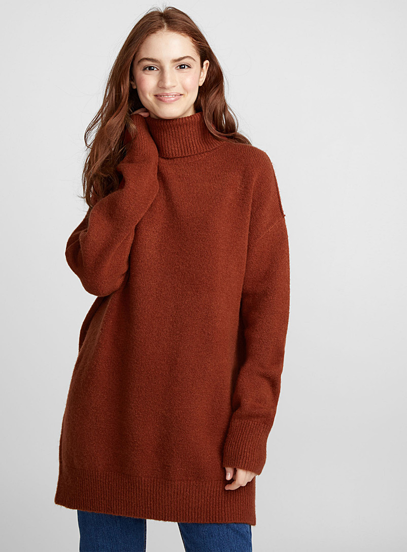 boucle-knit-turtleneck-tunic