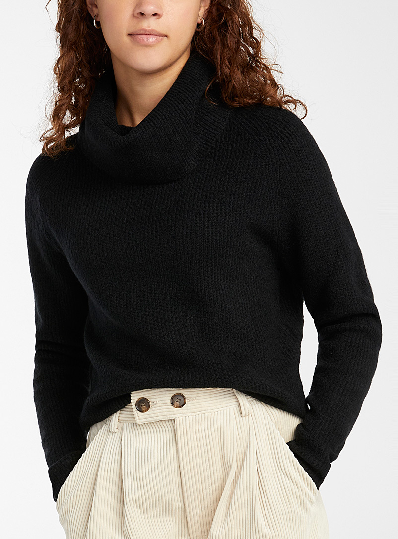 Soft ribbed cropped cowl neck
