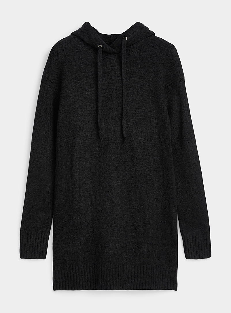 Twik Black Ultra cozy hooded sweater for women