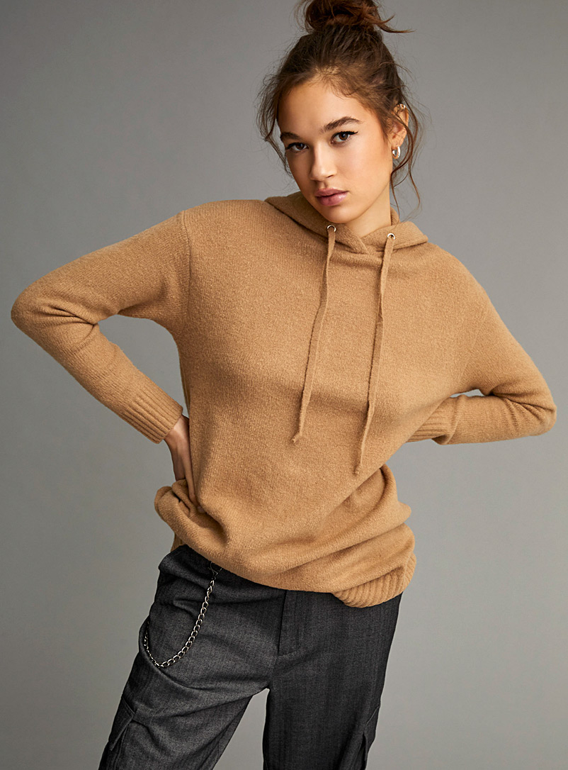 Twik Honey Ultra cozy hooded sweater for women