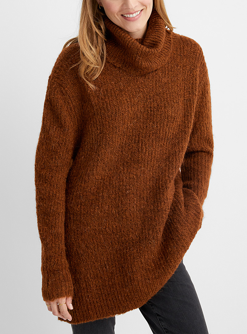 Turtleneck ribbed tunic
