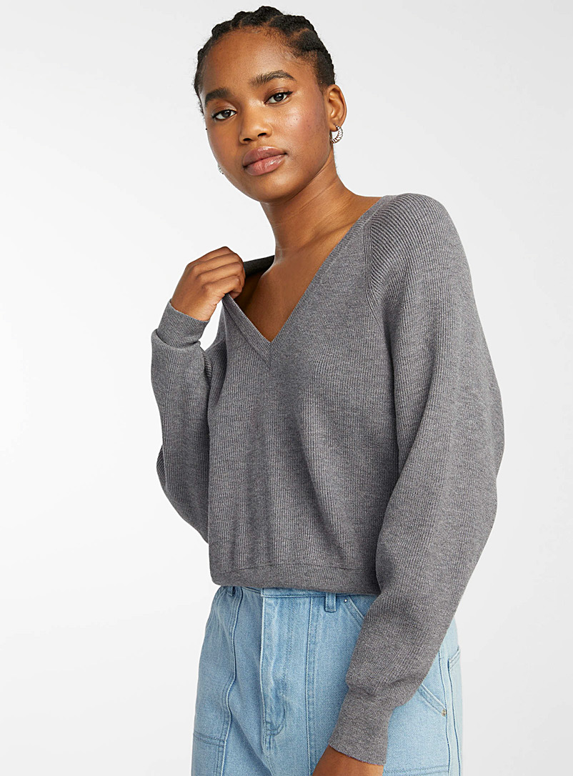 Twik Ecru/Linen Finely ribbed V-neck cropped sweater for women
