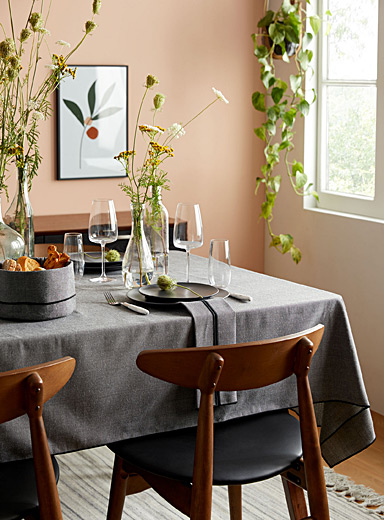 Charcoal chambray recycled polyester tablecloth