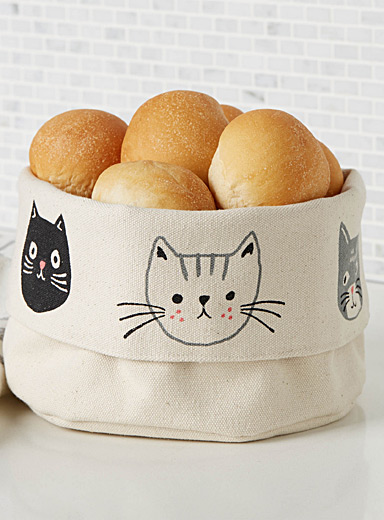 Danica Patterned Ecru Kitten bread basket