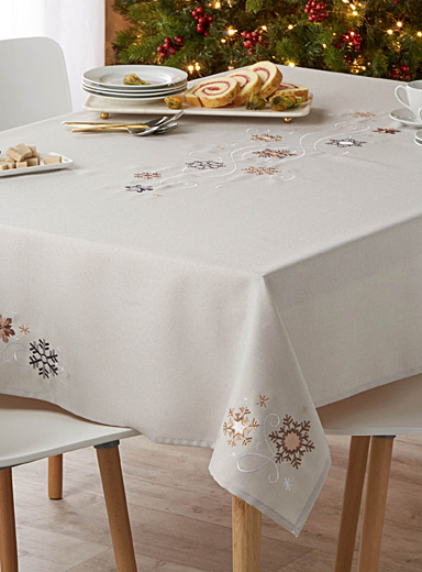 Modern snowflake tablecloth