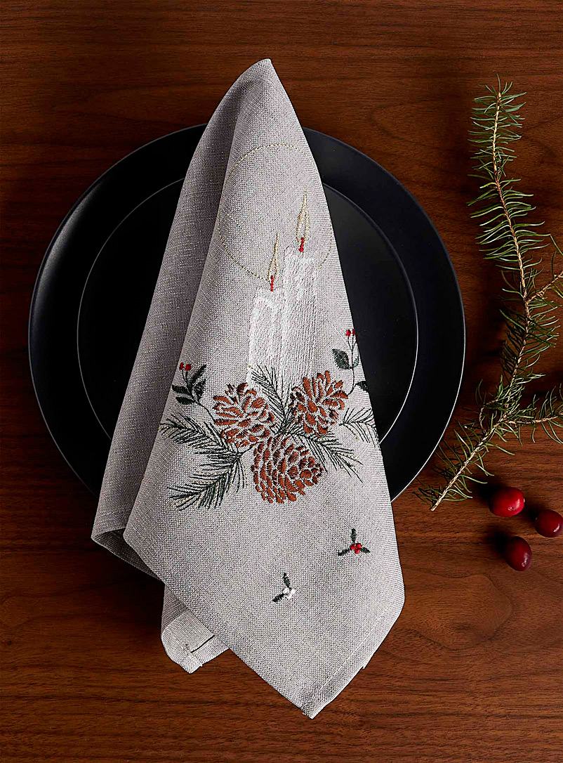 christmas-eve-glow-embroidered-napkin