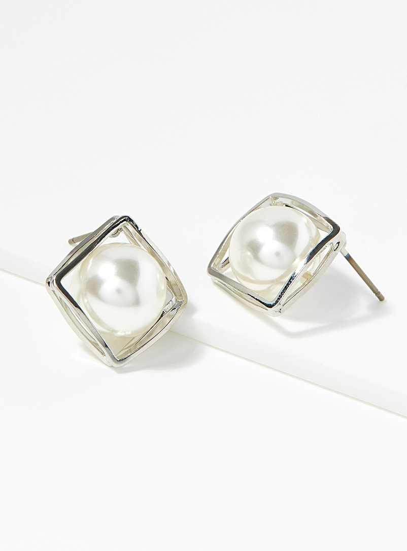 cube-pearl-earrings