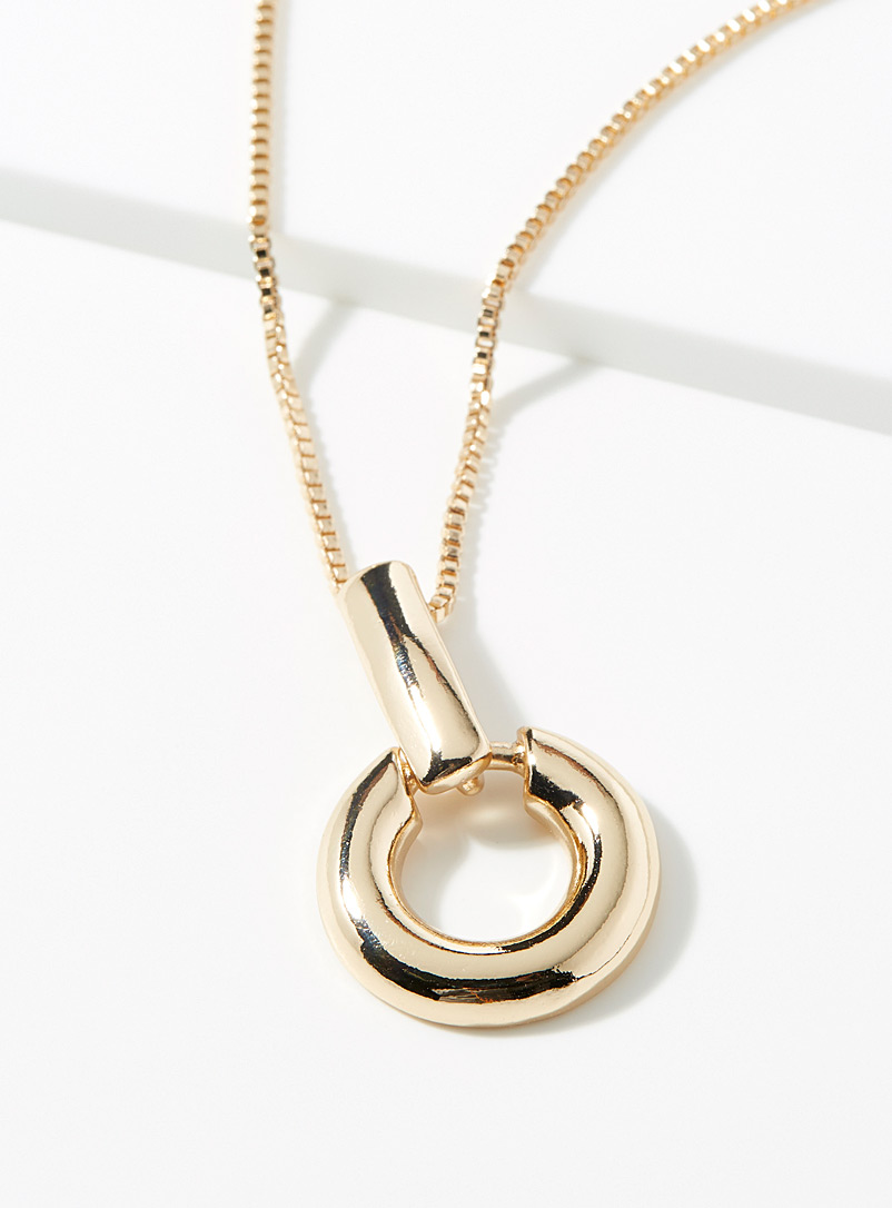 metallic-ring-necklace