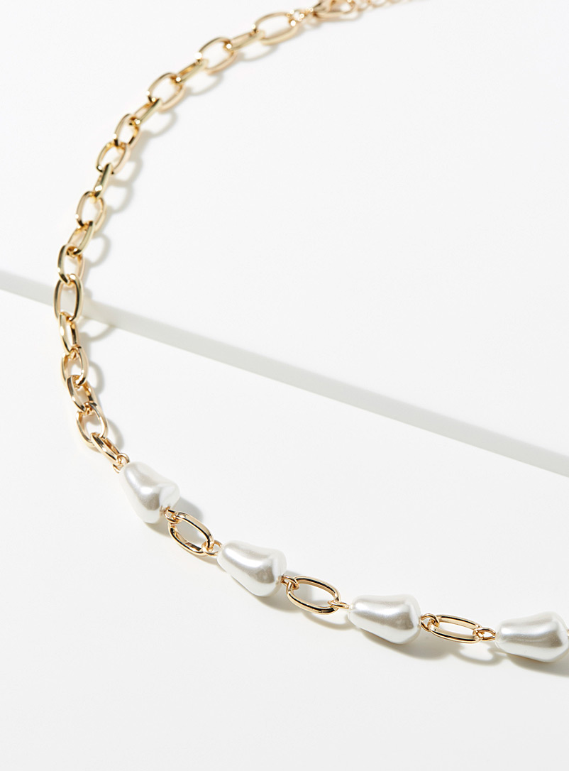 long-pearly-necklace