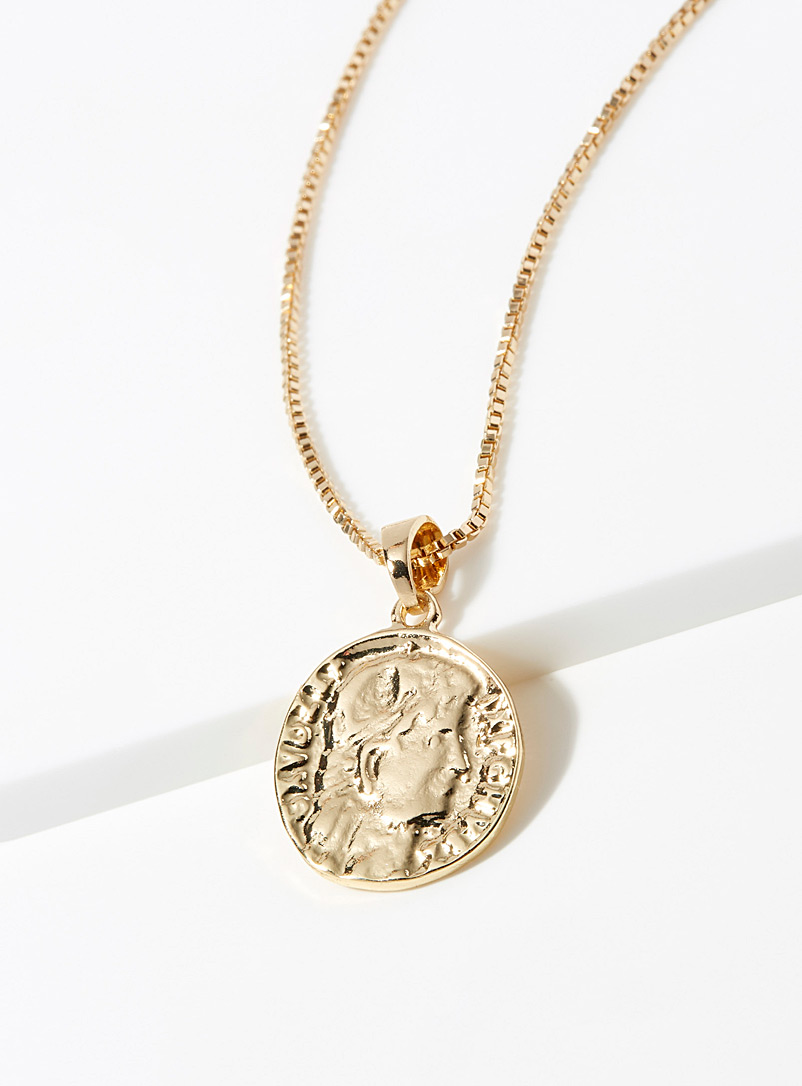 Simons Assorted Portrait medallion necklace for women